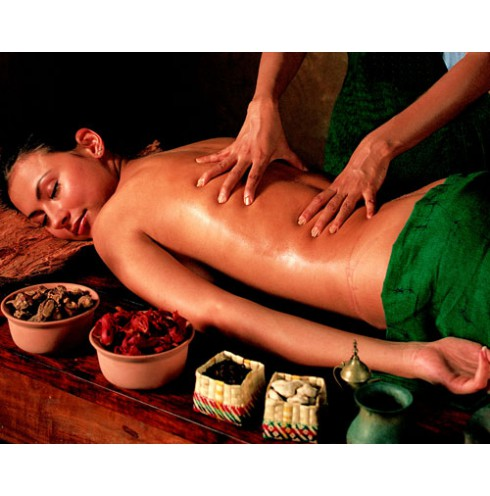 Enjoy our Relaxing Body Oil massages starting @ just Rs. 1600